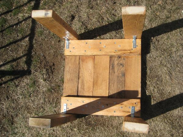 DIY Rustic Pallet Mini Table | Wooden Pallet Furniture