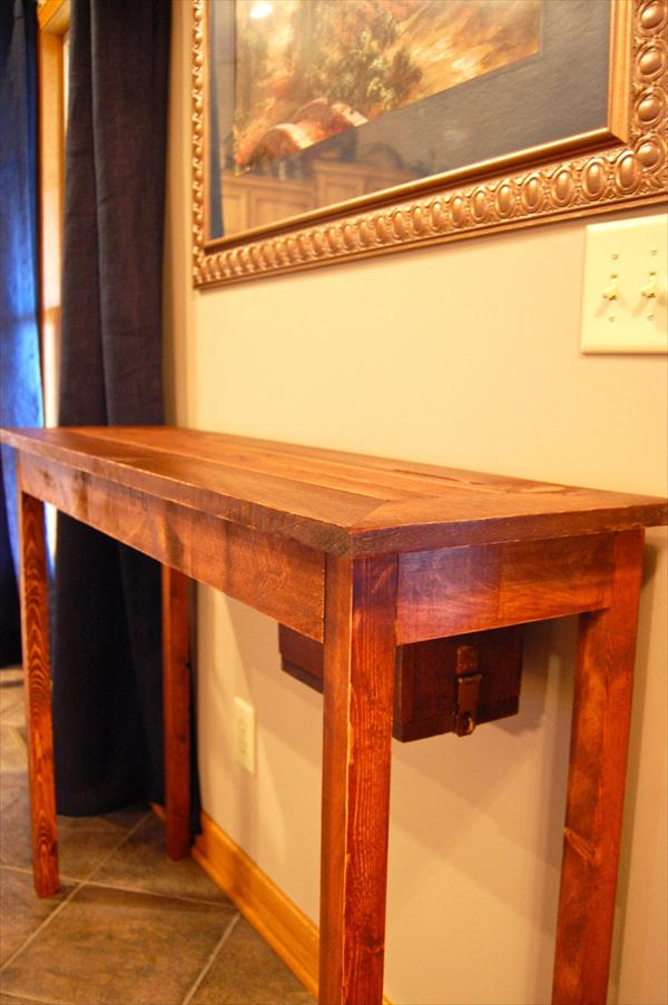 DIY Rustic Pallet Console Table   Wooden Pallet Furniture